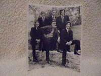 TOM T. HALL B&W PHOTO 9X8 WITH  BAND
