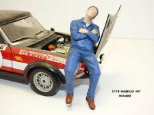 FIGURINE MECANICIEN endormi couché 1/18 Mechanic II
