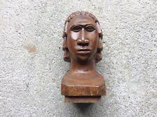 Buste en bois sculpté Art décoratif