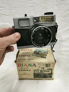 Ancien Appareil DIANA DE LUXE . vintage camera LOMOGRAPHY