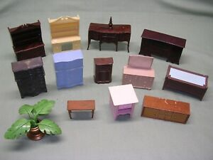 Lot, Dollhouse Furniture, 12 Different Furniture Pieces - 1:12 Scale