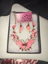 Betsey Johnson Bib Necklace BUTTERFLY Pink Red Enamel Gold Crystals