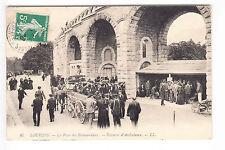 CPA  LOURDES 65 - POSTE DES BRANCARDIERS ATTELAGE VOITURE AMBULANCE 1912 ~A71