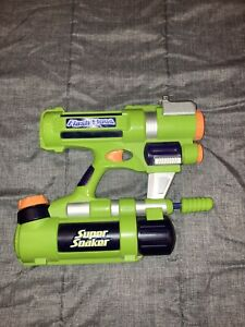 Rare Green 2004 SUPER SOAKER Flash Flood Squirt Water Toy Gun Works Great!