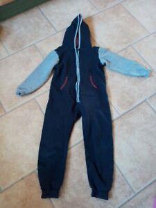 Schlafanzug, Overall gr.134 mit Kaputze