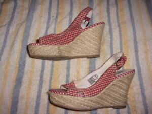 American Eagle Outfitter WEDGE Slingbacks SANDALS WOMAN'S SIZE 8  (4 INCH HEEL)