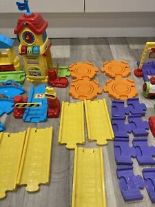 VTECH TOOT TOOT TRAIN TRACK BUNDLE WITH TRAIN