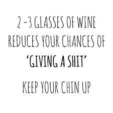2-3 vasos de vino reduce posibilidades de dar un Sh! T mantener tu barbilla tarjeta En Blanco