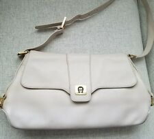 ETIENNE AIGNER CREAM IVORY vintage Leather Shoulder Bag Purse Handbag EUC