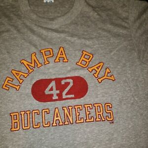 Women's Tampa Bay Buccaneers T-shirt By Champion Size L