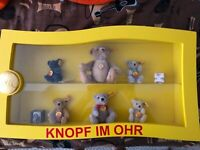 STEIFF FLAG & BUTTON  WOOD AND PLEXIGLASS DISPLAY CASE - W/ 6 Mini STEIFF BEARS!