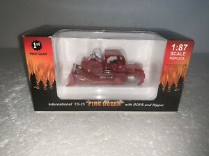 "First Gear, 1:87 scale, International TD-25 ""Fire Dozer"" w/ROPS+Ripper, 80-0307"