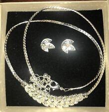 Avon Sparkling Rhinestone Leaves Necklace Earrings Bracelet Gift Set F3477731