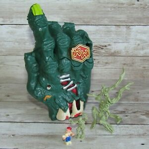 Mighty Max Crushes the Hand ~ Bluebird Toys     100% Complete Doom Zone