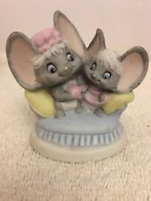 Hallmark Cheddar And Co Fine Porcelain Figure Love Weaves Wonders Mice Mouse