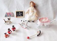 Hickelton maison de poupées meubles Pépinière Jouets + poupée fille & chat. Échelle 1:12