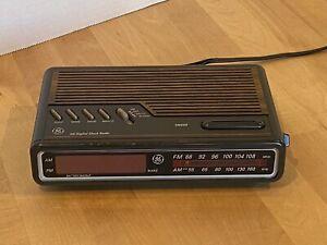 Vintage GE Digital Alarm Clock Radio AM/FM Model 7-4612A Brown