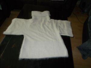 Damen Pullover mit Rollkragen 48% Angora super flauschig helles beige Gr. L
