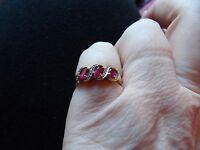 GORGEOUS 9 CARAT GOLD DIAMOND & RUBY 3 STONE JOURNEY RING SIZE K 1/2 UK