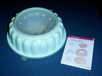 TUPPERWARE Jel-Ring Salad /Dessert/Punch Bowl Ice Mold Ring #1202 TEAL AQUA BLUE
