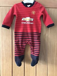 ⚽️MANCHESTER UNITED⚽️Official⚽️Babys Home Kit SLEEPSUIT BabyGrow⚽️0-3 Months