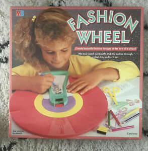 Original MB Fashion Wheel Game Craft Toy Vintage Retro With 3 Black Crayons