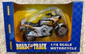 Road and Track Maisto 1:18 Scale Yamaha twin 850 Motorcycle NIB