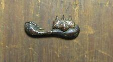 Uraltes menuki aus Japan - Kupfer und Gold - Shakudo - von einem Katana - Wappen