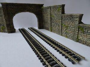 N GAUGE TUNNEL RETAINING WALLS TRACKSIDE SCENERY JOBLOT.....