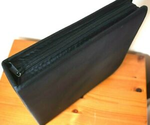1 x French Black Portable Compact Disc Case holding128 CD's with 2 End Flaps