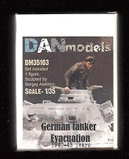 DM35103/ DANmodels - Deutscher Panzerkommandant 1940/43 - Resin - 1/35