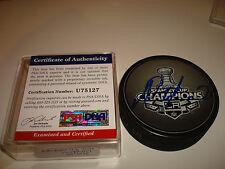 Slava Voynov Signed 2012 L.A. Kings Stanley Cup Champions Hockey Puck PSA/DNA a