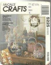 McCALL'S CRAFTS 5225 NEW AND UNCUT PATTERNS WREATHS ORNAMENTS BASKETS AND TREE
