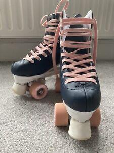 Womens / Girls roller skates size 5