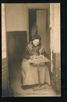 Belgium Bruges LACE MAKER Dentelliere au beguinage old lady used 1912 PPC