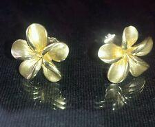 vintage 14k yellow  solid gold earrings, flowers design
