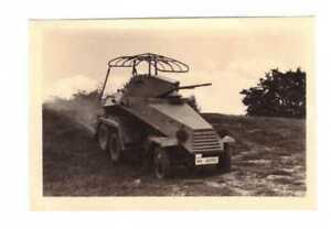 Original Foto --Panzer Spähwagen-- mit 6 Rädern, Funker