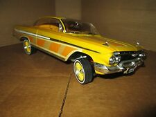 1:18 chevy impala lowrider 1961 loc riderz malibu international yellow scratches