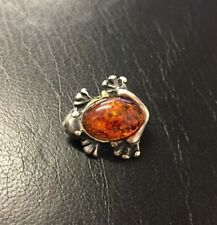 925 Sterling Silver Frog Brooch With Amber Gemstone
