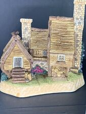 David Winter Cottages ~ The Charcoal Burner's ~ Nib Perfect. Lovely Piece