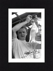 8X6 Mount BILLY BREMNER Signed PHOTO Ready To Frame LEEDS UNITED Soccer