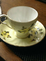 ROYAL GRAFTON FINE BONE CHINA TEA CUP AND SAUCER MADE IN ENGLAND