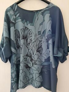 Next Ladies Pretty Teal Floral Short Sleeved Top with Stretch. Size 20.