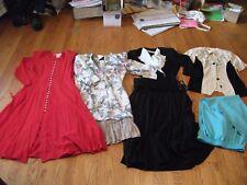 Womens dresses sz s- sz 5  lot  1x938 black white  red dress's FLOWING 1X938