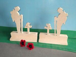2 x Standing Figure Fallen Soldier ( Medium ) And 2 Poppies
