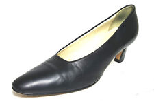 BALLY womens Pumps shoes (Rosebud) Size 8 1/2 N  Black Glove Leather solid