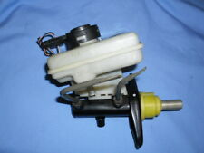 Land Rover Discovery 2 - Brake Master Cylinder