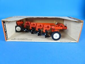 Ertl Allis Chalmers 4b plow 1/16 diecast & plastic farm implement replica USA