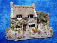 LILLIPUT LANE Cobblers Handmade in Cumbria Miniature Masterpiece Model Ornament
