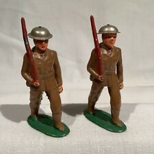 BARCLAY B127 TWO SOLDIERS MARCHING WITH BACKPACKS, TIN HELMET, EX+/NM, C. 1935